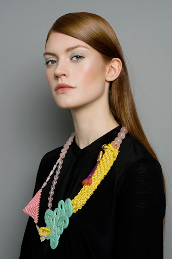 Contemporary Jewellery, Denise Reytan, Denise Julia Reytan, Reytan, Berlin Jewellery, Reytan Jewellery, Jewellerydesign Berlin, streetstyle, design, art, jewelry, statement, necklace, collier, statement jewellery, german jewelry design, precious plastic,
