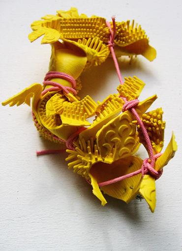 what is jewellery, was ist schmuck, dreidimensionale, eigenständige, plastische Skulpturen, independent plastic sculptures, Zeichen am Körper, signs on the body, Schmuck ist Identität, jewellery is identity